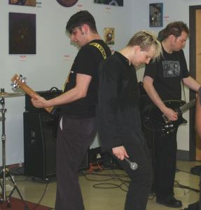 Early Razorbalde Monalisa features Josh Common on Bass and Kevin Ian Common (not pictured) on drums - the two are also members of The Common Men